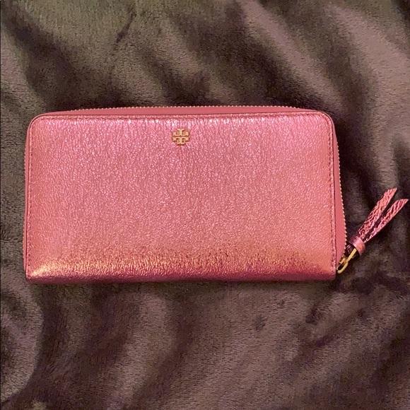 Tory Burch Handbags - Tory Burch metallic pink wallet